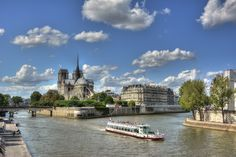 Ile de la Citè and Cathèdrale Notre-Dame de Paris by Andrea Cinquetti on 500px