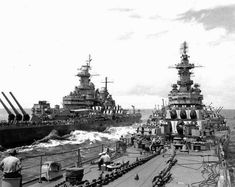 USS Missouri (left) and USS Iowa (right) off Japan 20 August 1945.