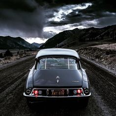 """It would be a difficult choice if I had to the option of having a period correct DS or a ・・・ The last of the """"Highway 93 Series"""" features this view a few miles from the turnoff. Citroen Ds, How To Buy Land, Car Photography, Amazing Cars, Motor Car, Vintage Cars, Cool Cars, Dream Cars, Classic Cars"""