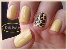 Yellow Nails, so cute!