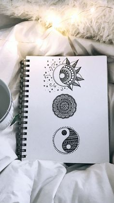 62 ideas zentangle art dibujos mandalas for 2019 Mandala Doodle, Mandala Art Lesson, Doodle Art Drawing, Zentangle Drawings, Pencil Art Drawings, Cool Art Drawings, Mandala Tattoo, Art Drawings Sketches, Cute Drawings Tumblr