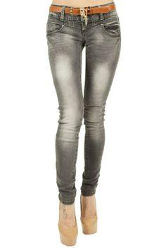 Blugi Dama Only Grey  -Blugi dama casual  -Model simplu, ce pune in evidenta talia  -Design usor prespalati  -Detaliu curea maro     Compozitie: 98%Bumbac, 2%Elasten