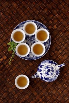 L'heure du thé - Tea time - Bleu et blanc - Blue and white Weight Loss Tea, Chinese Tea Set, Chocolates, Asian Tea, Pause Café, Tea Culture, Oolong Tea, Longjing Tea, Tea Art