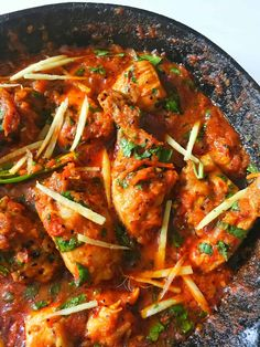 Chicken Karahi Recipe + Step by Step Pictures + Tips - Fatima Cooks Turkish Recipes, Indian Food Recipes, Italian Recipes, Ethnic Recipes, Indian Foods, Chicken Karahi Recipe Pakistani, Afghan Food Recipes, Pakistani Dishes, Chicken Tikka