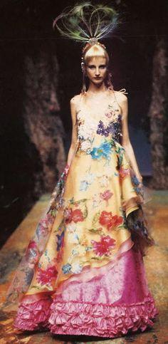 kawaiih0re:  Christian Lacroix Haute Couture 1998 www.fashion.net