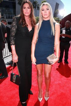 Caitlyn Jenner, Sophia Hutchins Getting Married – Designerzcentral Sparkly Gown, Jenner Photos, Espy Awards, Kardashian Family, Gabrielle Union, Hot Couples, Elle Fanning, Cutout Dress, Fall Dresses