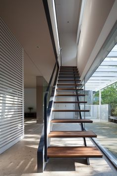 House for green, breeze and light / Yaita and Associates