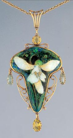 Charles Ashbee pendant ca. 1900 | Charles Ashbee (1863-1942) Designer Arts and Crafts / Art Nouveau Movement