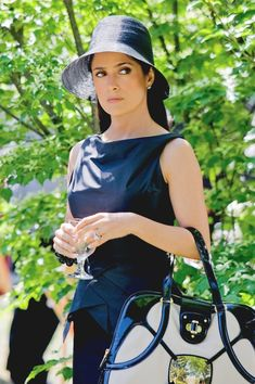 - Salma Hayek and Maria Bello - Grown Ups Press Stills - 1 of 10 Salma Hayek Style, Salma Hayek Photos, Jw Moda, Selma Hayek, Bra Cup Sizes, Next Top Model, Dress Hats, Hollywood Actresses, Supermodels