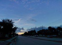 Buenos días - Good morning from #winterpark #florida #my_365 #365photochallenge #day220 #sunrise #morning #SunLight #day