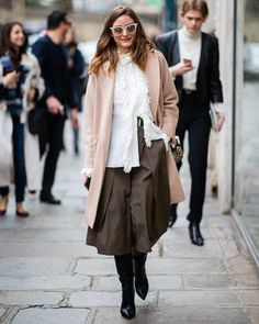 Olivia Palermo is seen wearing coat white blouse outside Elie Saab during Paris Fashion Week Womenswear Fall/Winter on March 02 2019 in. Estilo Olivia Palermo, Olivia Palermo Street Style, Olivia Palermo Lookbook, Elie Saab, Carolina Herrera, Christian Dior, Christian Louboutin, Tommy Hilfiger, Milan