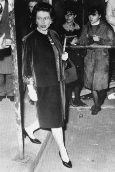 Queen Elizabeth Pregnant | The Queen pregnant with 4th child, Nov. 1963
