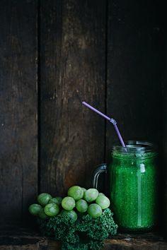 Kale, Grape & Apple Detox Smoothie