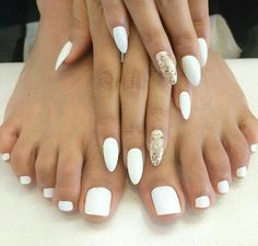 Nails White And Gold Image