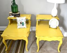 I've find of fallen in love with these yellow DIY tables.