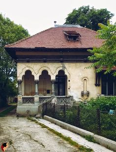 Beautiful Architecture, Art And Architecture, Architecture Details, Romania Facts, Traditional House, Interior And Exterior, Places To Go, Cottage, House Design