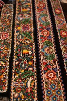 Traditional Romanian motifs, made from beads. Perhaps not antique Folk Embroidery, Beaded Embroidery, Embroidery Patterns, Textiles, Folk Costume, Textures Patterns, Textile Art, Folk Art, Beautiful
