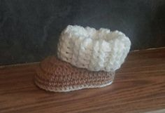 Adorable baby winter booties in 3 sizes. Will update at a later date with larger sizes and with photos for visual aid