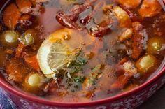Лучший суп зимы – это солянка. Горячее блюдо, вкус которого является острым, кислым и соленым одновременно, идеально согреет в холода.