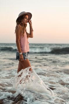 Devon: anther typical beach style i like to wear. I even like this shade of pink. very soft.