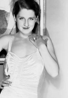 Norma Shearer, 1930s. Fabulous.