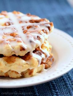 Discover the tastiest recipes that you can make with your waffle iron that aren't, well, just waffles. We've rounded up the absolute best waffle maker recipes out there. Peanut Butter Waffles, Waffle Maker Recipes, Sandwich Maker Recipes, Cinnamon Roll Waffles, Waffle Iron Cinnamon Rolls, Great Recipes, Favorite Recipes, Cinnamon Recipes, Cooking Recipes
