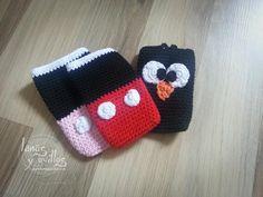 http://www.lanasyovillos.com Tutorial de cómo hacer una funda a crochet para smartphone o teléfono paso a paso en español. Encuentra este patrón y muchos más...