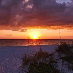 .@Maria Canavello Mrasek Canavello Mrasek Schneider   Another breathtaking sunset in the Bradenton Gulf Islands