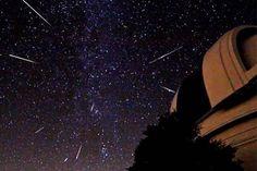 Chuva de meteoros com rastros apontando seu ponto de origem. OVNI Hoje!Chuva de meteoros Lirídeos é esperada para noite de 21 de abril » OVNI Hoje!