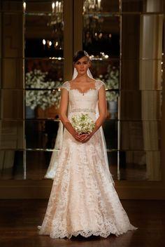 La coquetería de las mangas cortas en vestidos de novia: la tendencia más romántica - Púrpura