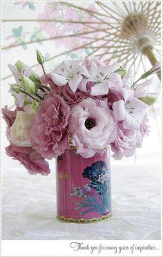 vintage tea tin w/ pink flowers Tin Flowers, Love Flowers, Beautiful Flowers, Wedding Flowers, Wedding Stuff, Floral Centerpieces, Floral Arrangements, Wedding Centrepieces, Flower Arrangement