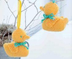 Amigurumi Duck Free Knitting Pattern Amigurumi Easter Duckling Free Knitting Pattern Source by debgjames Easter Toys, Easter Crafts, Easter Ideas, Animal Knitting Patterns, Crochet Patterns, Sweater Patterns, Stitch Patterns, Easy Knitting, Knitting Toys