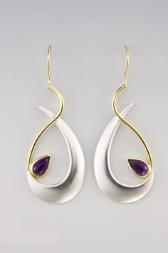 Earrings | Janis Kerman.  Sterling silver, 18kt yellow gold, amethyst