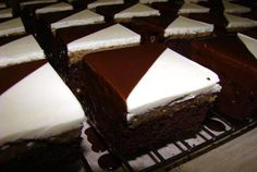 Dvojfarebné kocky - recept Nutella, Baked Goods, Sweet Recipes, Tiramisu, Deserts, Dessert Recipes, Treats, Baking, Food