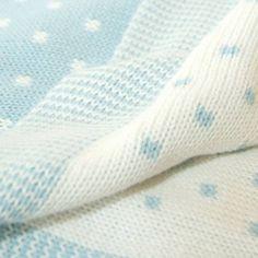 Mavi beyaz bebek battaniyesi
