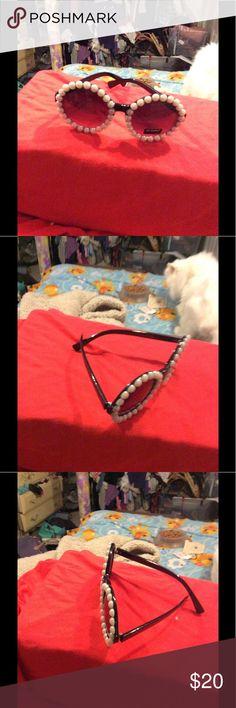 New black a with pearl fashion sunglasses New round black sunglasses with pearl,decor Fashion Bug Accessories Glasses
