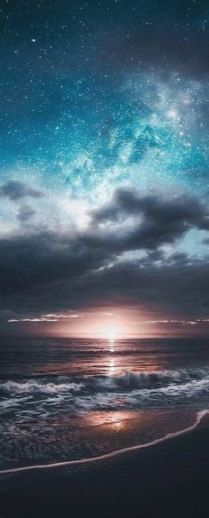 Nothing is as beautiful as God's own hand and reminds us of His love - Hintergrund - Natur Beautiful Sky, Beautiful Landscapes, Beautiful World, Beautiful Places, Belle Photo, Night Skies, Sky Night, Ocean Night, Pretty Pictures