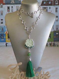 """Ravissant collier pendentif perles et céramique sur bois argenté """"Un arbre de vie """" de la boutique framboisefrancoise sur Etsy"""