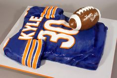 Pretty sweet too for a cake for Chris    Chicago Bears Jersey 30th Birthday Cake by marksl110, via Flickr