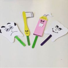 This page has a lot of free Dental health craft idea for kids,parents and preschool teachers. Kids Crafts, Toddler Crafts, Toddler Activities, Puppet Crafts, Health Activities, Teaching Aids, Dental Health, Kids Education, Science Education