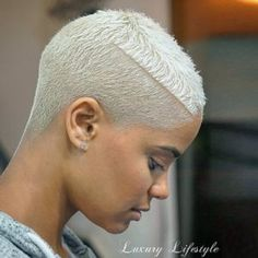 Ideas hair short styles african american for 2019 Chic Short Hair, Really Short Hair, Short Curly Hair, Curly Hair Styles, Natural Hair Styles, Ponytail Styles, Haircut Styles For Women, Short Hair Styles For Round Faces, Short Hair Cuts For Women