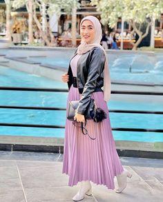 #winter #winteroutfits #winterfashionoutfits #hijab #hijabfashion #hijabstyle #hijaboutfit #hijabtutorial #muslim #winter #winteroutfitscold #winterfashionoutfits #hijab #hijabfashion #hijabstyle #hijaboutfit #hijabtutorial #muslim #winter #winteroutfitscold Chic Outfits, Pleated Skirt, Winteroutfits, Skirts, Dresses, Fashion, Pleated Skirt Outfit, Vestidos, Moda