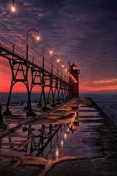 Bridge to Sunset Lighthouse, South Haven, Michigan. photo via hiroshi