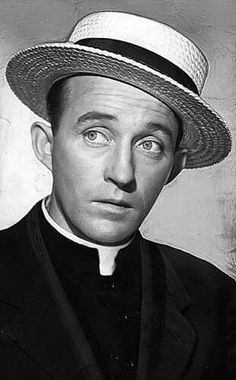 """Bing Crosby as Father O'Malley in """"Going My Way"""" Best Actor Oscar 1944 Old Hollywood Movies, Hollywood Icons, Golden Age Of Hollywood, Vintage Hollywood, Classic Hollywood, Montgomery Clift, Marcello Mastroianni, Clive Owen, Bing Crosby"""