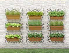 HORTA VERTICAL SUSPENSA DIMENSÕES: <br>Largura 50cm <br>Altura 100cm <br>Profundidade 20cm <br> <br>CADA KIT ACOMPANHA: <br>1 Painel 100x50 cm <br>3 Vasos Plásticos 35cm. <br>3 Suportes móveis para os vasos <br>2 Parafusos com bucha para parede. <br>Um guia eletrônico (PDF) com orientações das plantas indicadas para jardim vertical por tipo de ambiente. <br> <br>ATENÇÃO: <br>O PREÇO DO PRODUTO É POR KIT (1 painel + 3 vasos). O produto pode ficar ao ar livre. <br>As plantas não estão…
