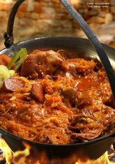 Cabbage is full of pork - Káposzta csupa disznósággal – Receptletöltés Hungarian Recipes, Goulash, Food 52, Stew, Grilling, Cabbage, Curry, Food And Drink, Pork