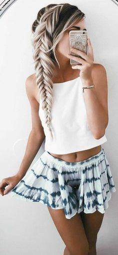 Super Hair Color Highlights For Teens Ideas Medium Hair Styles, Curly Hair Styles, Natural Hair Styles, Updo Styles, Teen Hairstyles, Little Girl Hairstyles, Summer Hairstyles For Medium Hair, Cute Hairstyles For Teens, Amazing Hairstyles