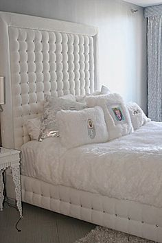 sink into luxury in this extremely glamorous bed the beautiful crystals in the tufted headboard and structure sparkle in the light creating a dazzling and