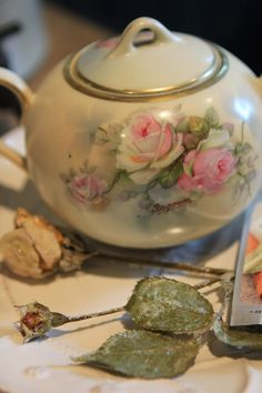 Romancing the Home: Faded Roses