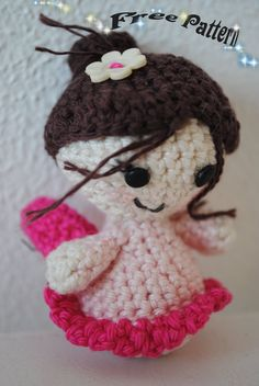 Free Pattern: Little Fairy  http://funandfang.blogspot.com/2010/07/free-pattern-little-fairy.html